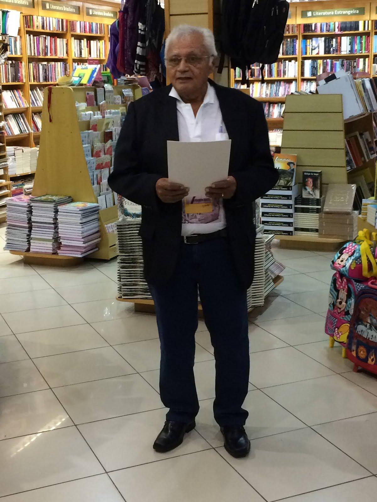 """Livro """"Joaquim Bento o poeta"""" Autor Souza Lima."""
