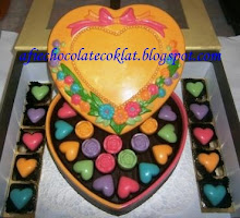 CHOC LOVE BOX SIZE 'XL' WITH 36PCS PRALINE @RM100