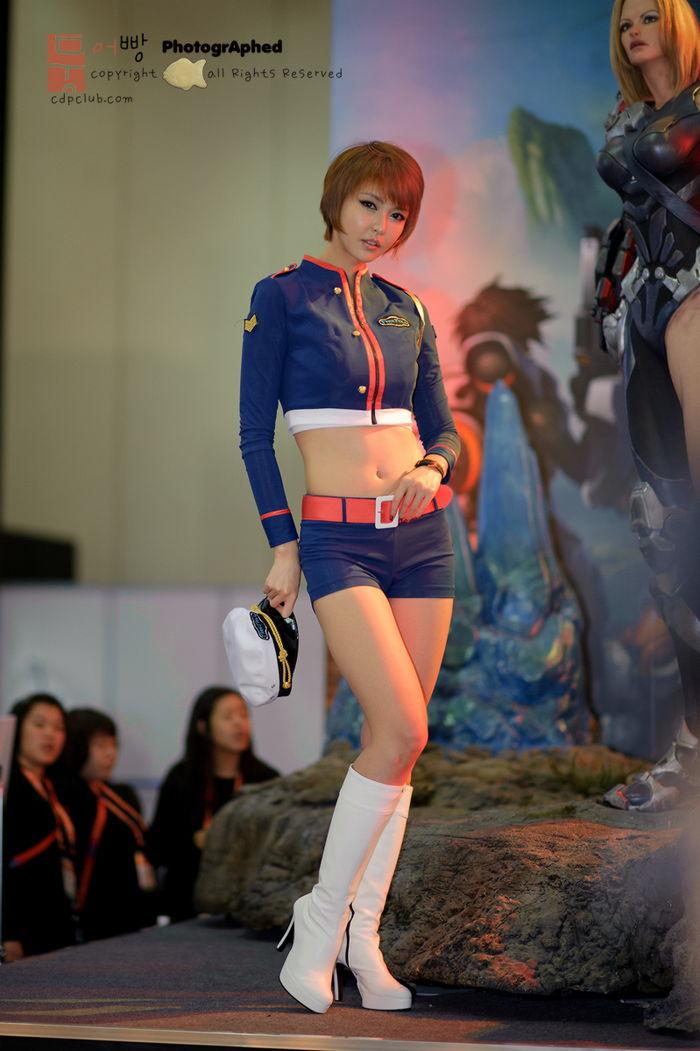 kang yui hot and sexy naked pic