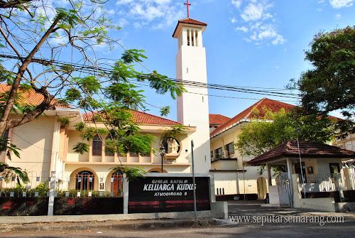 Gereja Katolik Keluarga Kudus Semarang Atmodirono