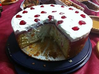 עוגת טורט עם פירות חגיגית