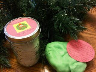 { play dough jar gift }