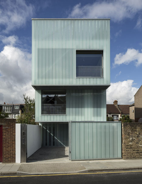 Ville hybride murs translucides pour maison victorienne for Paroi translucide