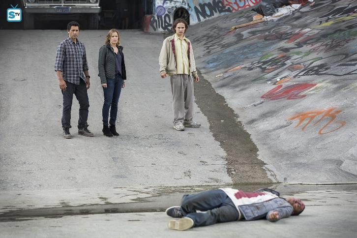 """Fear the Walking Dead - Pilot - Review: """"Destined for Greatness"""""""