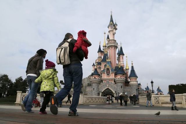 detenido en Disneyland París armado con  dos pistolas y portando un Corán