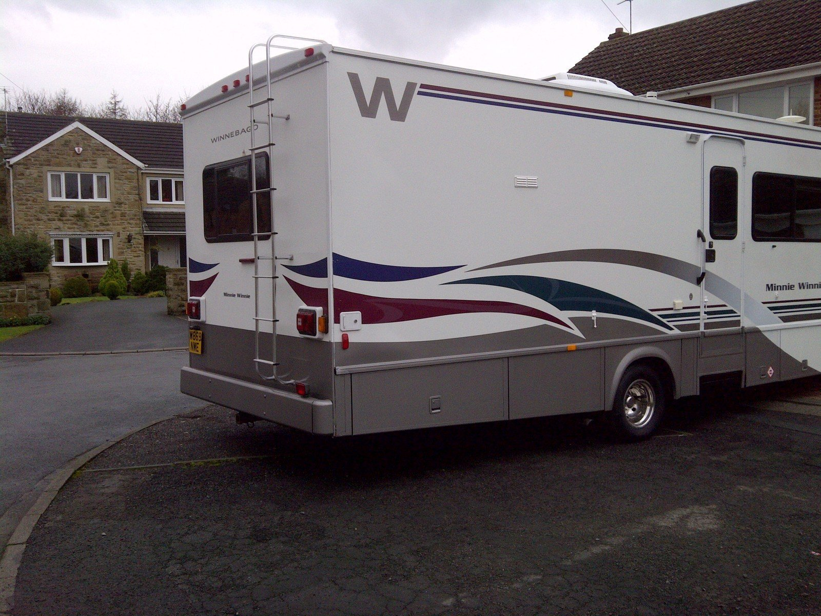 Luxury This 70M Is Built On The MercedesBenz Sprinter Chassis And Has A 30L 6cylinder Diesel Engine This All New Winnebago Minnie WinnieSprit Floorplan Features Triple Slideouts Including Opposing Front Slides Which Maximize