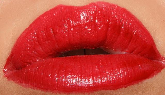 Revlon Ultimate Liquid Lipstick Top Tomato
