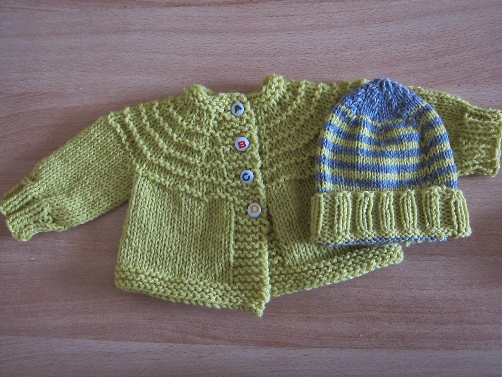 Thinking Out Loud: 5-Hour Baby Sweater