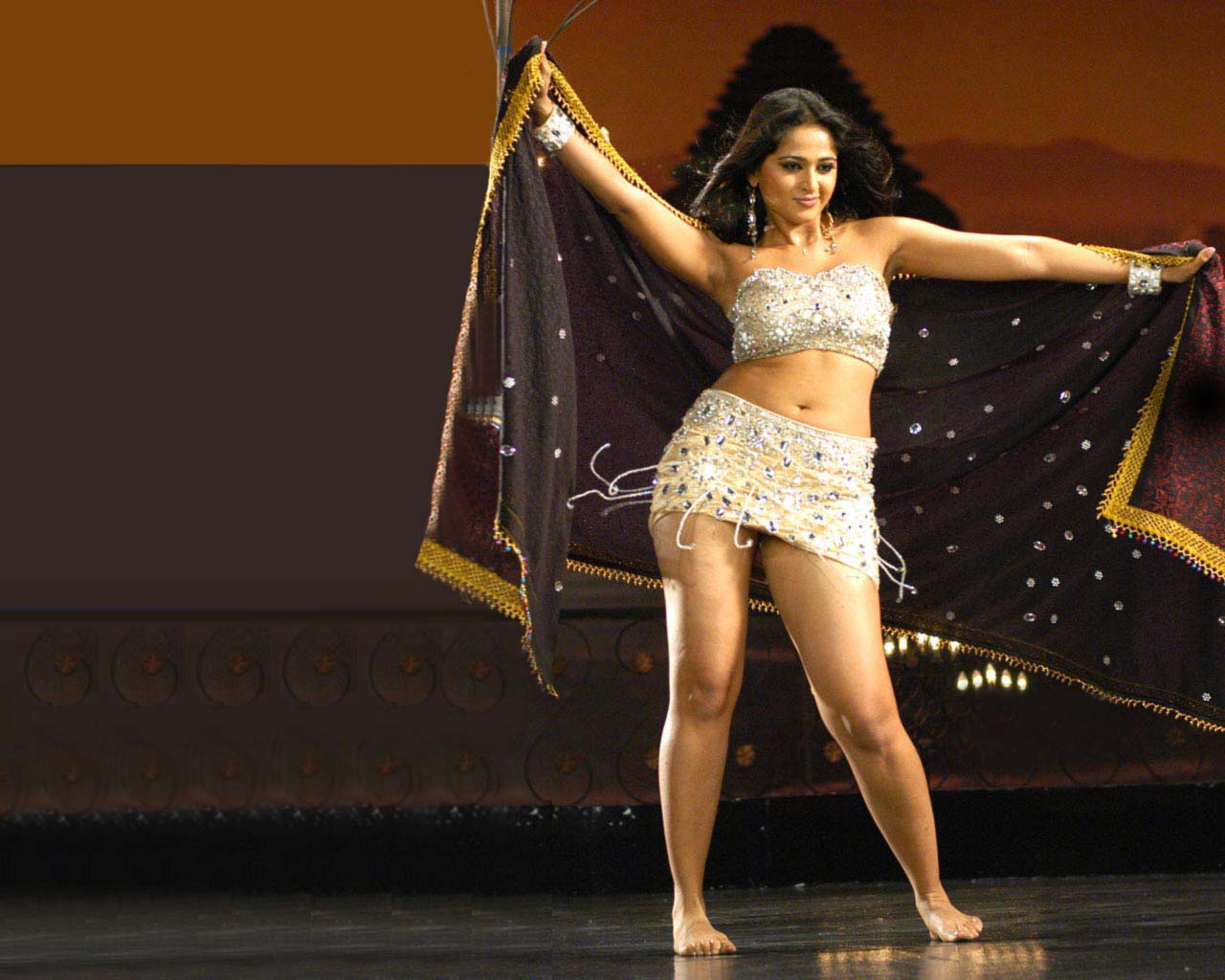 Anushka Shetty Hot tollywoodmore: ...
