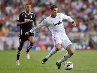 Cristiano+Ronaldo+Real+Madrid+CF+v+Granada+HMhrzKPrRXJl صور كريستيانو رونالدو مباراة غرناطة الدوري 2012/2013 2 سبتمبر 2012