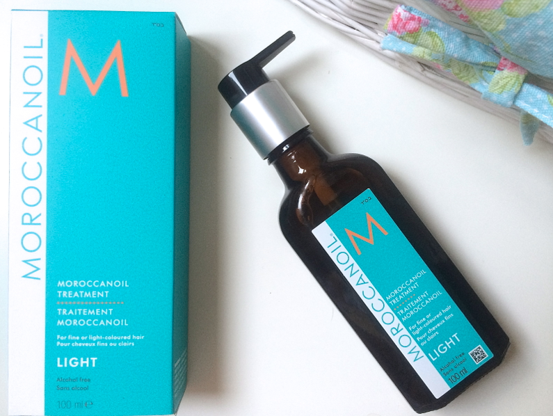 UK lifestyle blogger UK beauty blogger review swatch moroccanoil moroccan oil