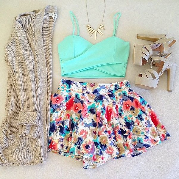 Floral Skirt Outfit