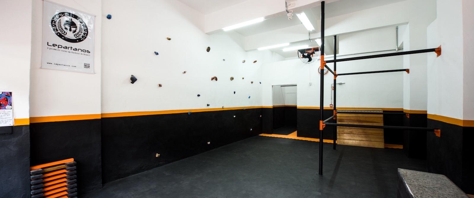 Nas aulas Indoor você tem um ambiente adaptado para começar