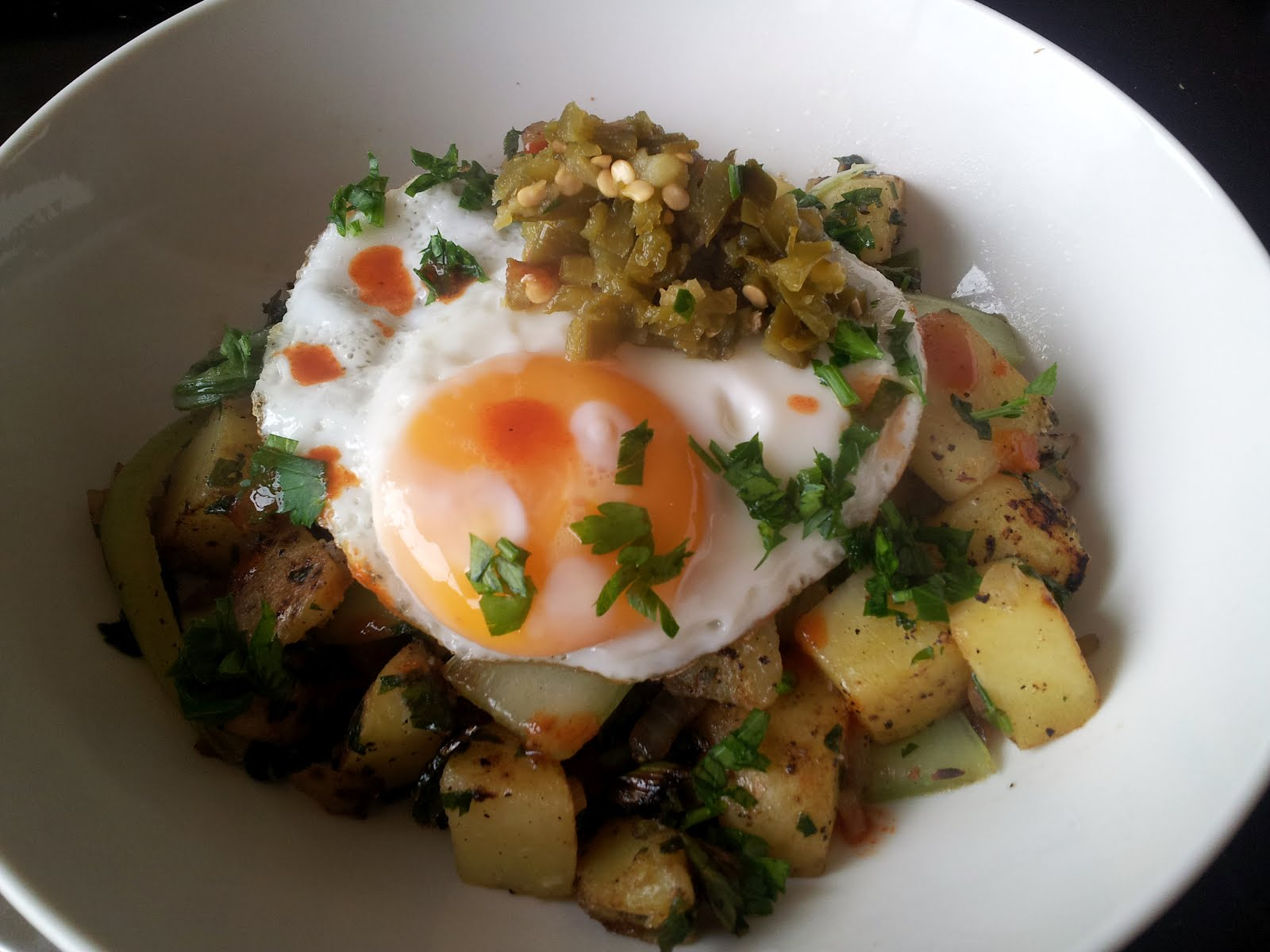 good food in a crap kitchen: Spicy potato hash with bok choy