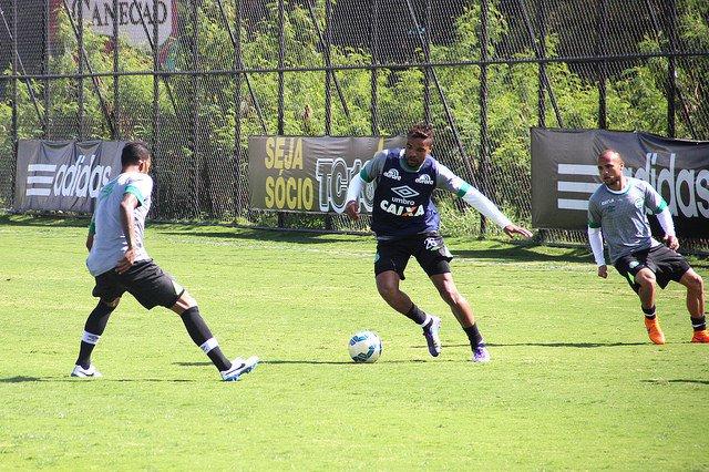 Chapecoense chega embalada por duas vitórias para o confonto (Divulgação/Chapecoense)