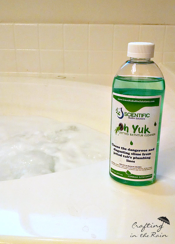 Clean a Jetted Tub with Oh Yuk || www.craftingintherain.com
