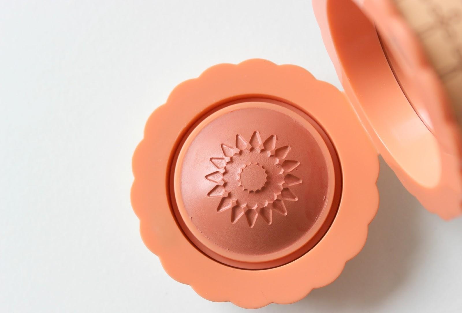 A picture of Benefit Majorette Cream-to-Powder Peach Blush