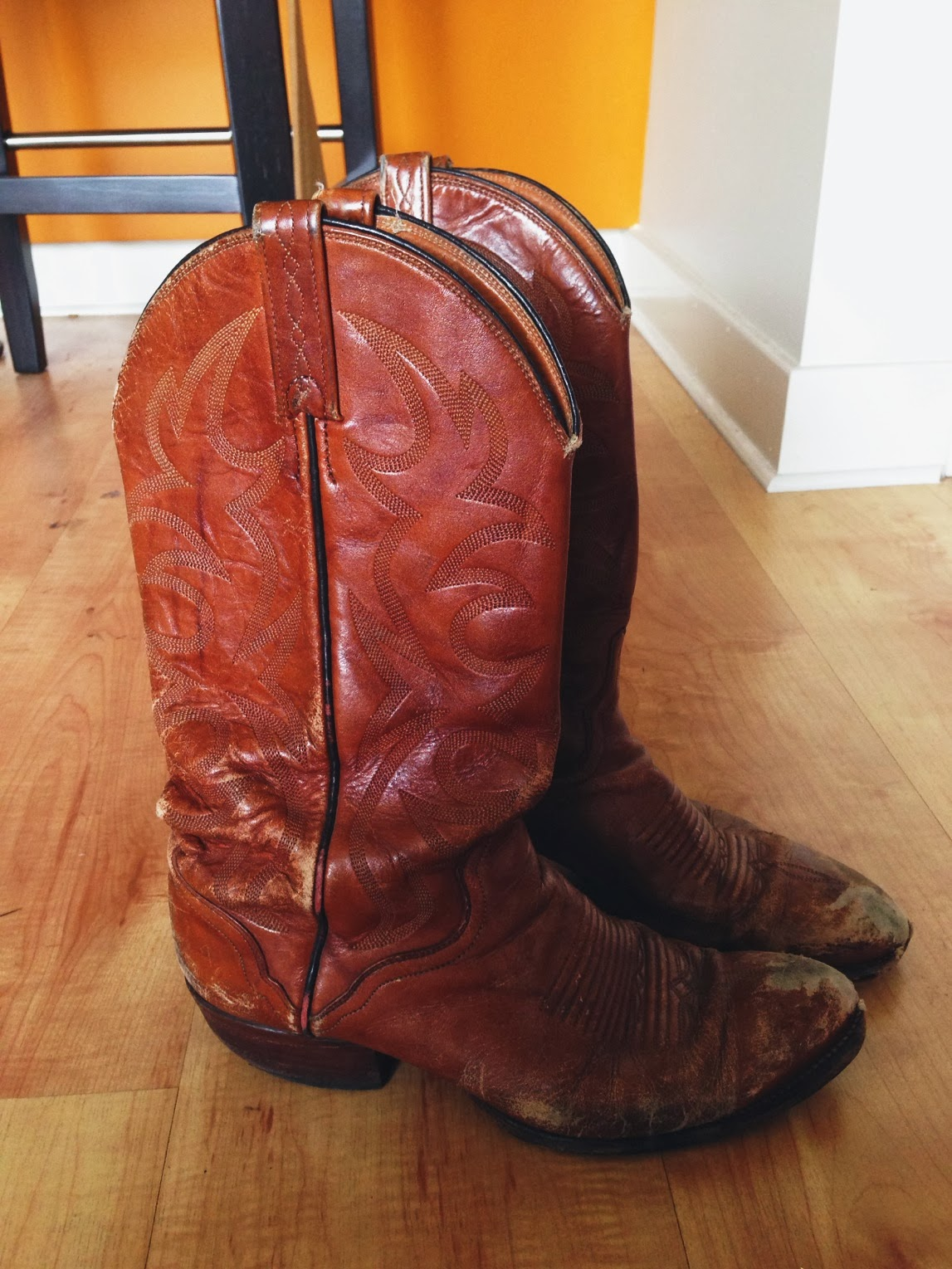 melrose, shopping, boots, cowboy, western, vintage, repurposed, leather, cute, sexy, comfortable, 2013, 2014