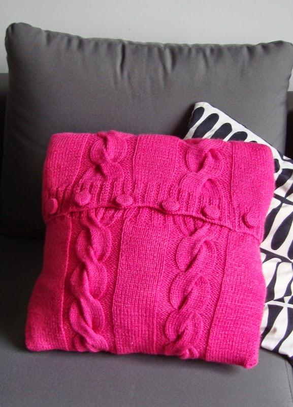 Różowa poduszka w warkocze