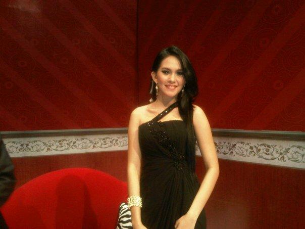 Kartika Putri Artis  Presenter Ngapak