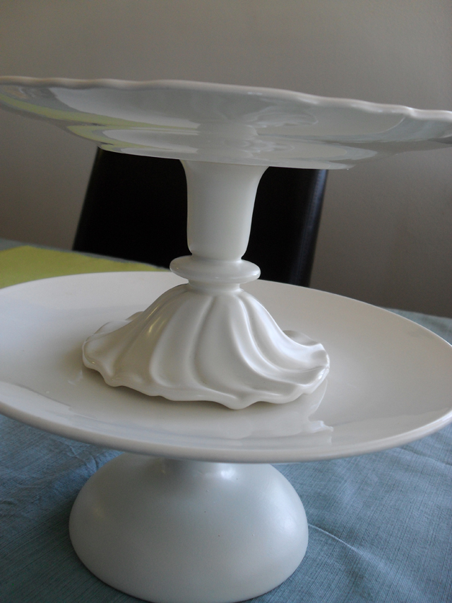 images cake on stand kitchens pinterest sweetopia stands porcelain best pedestal pedestals jadeite love