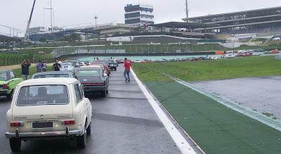 Quando os carros param na pista, ocorre a oportunidade de captar imagens interessantes.