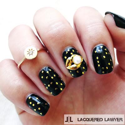 Gold Lips Nail Charm