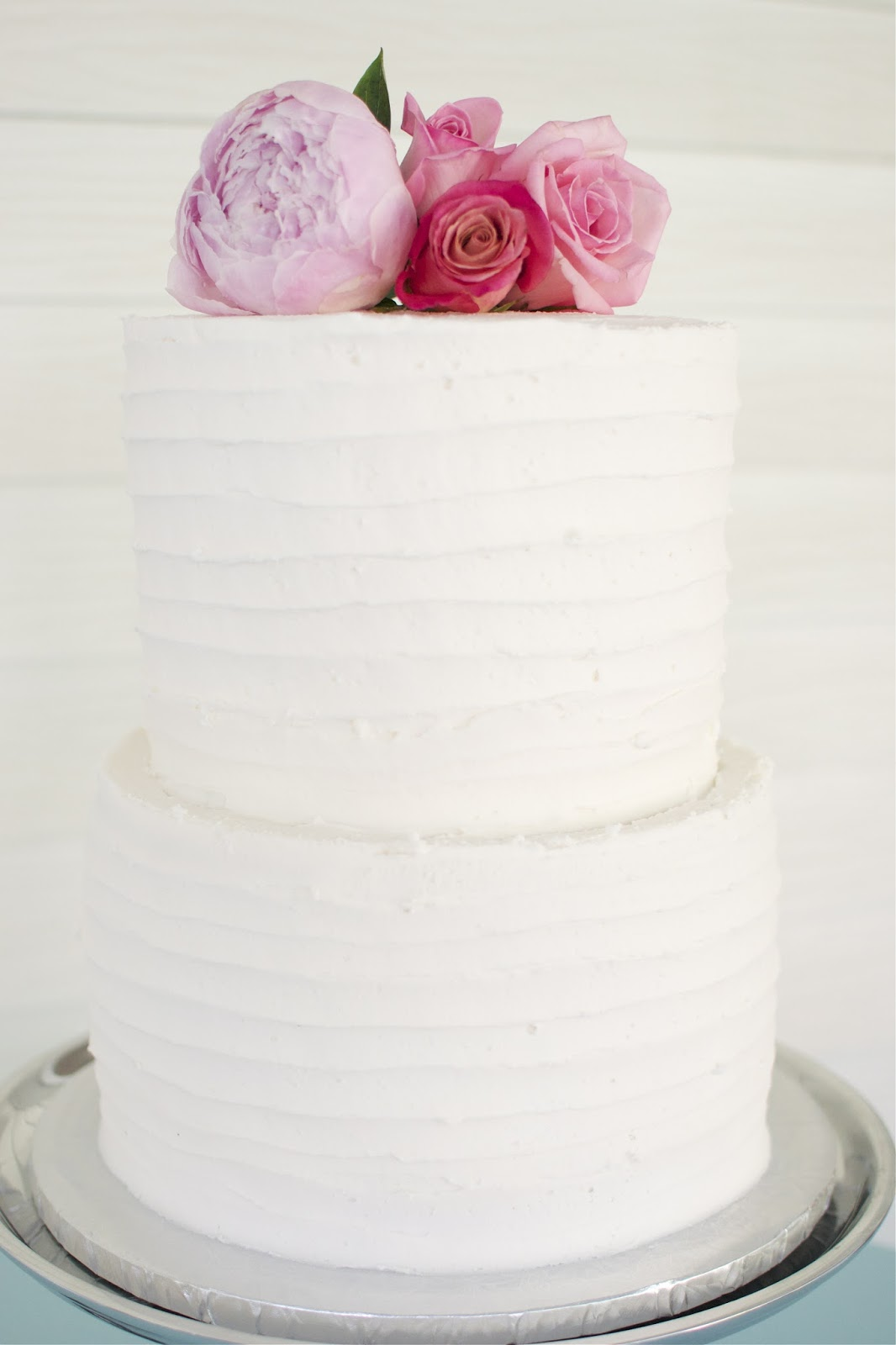 Simple White Wedding Cake Viewing Gallery