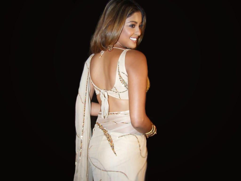 Tanushree Dutta :Tanushree Dutta Latest Hot Pics & HD Wallpapers