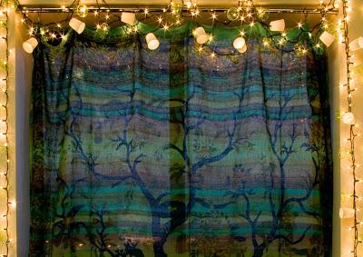 Window+dixie+cup+lights - Easy DIY Holiday Decor