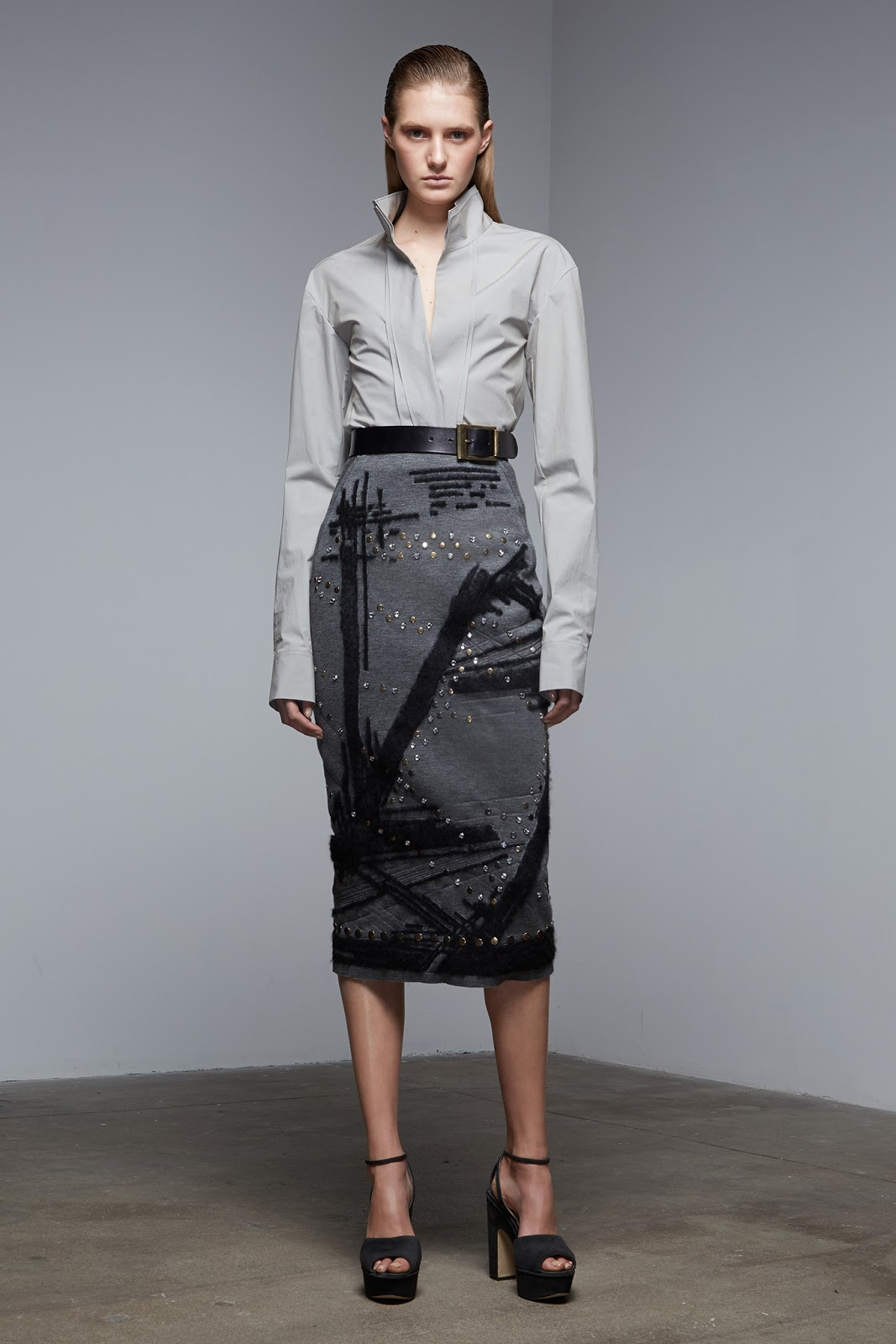 transitional style inspiration from the catwalk / how to wear midi skirt in autumn / Donna Karan / via fashionedbylove.co.uk / british fashion & style blog