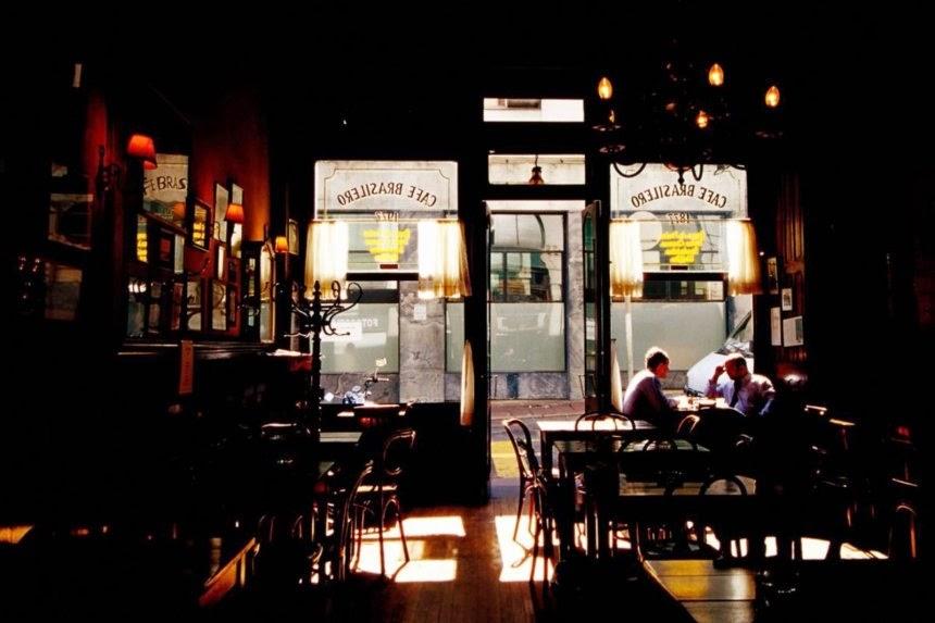 """En el Café Brasilero -""""muestra conspicua de la amistad entre el Imperio y la República Oriental- de Montevideo hace unas semanas"""