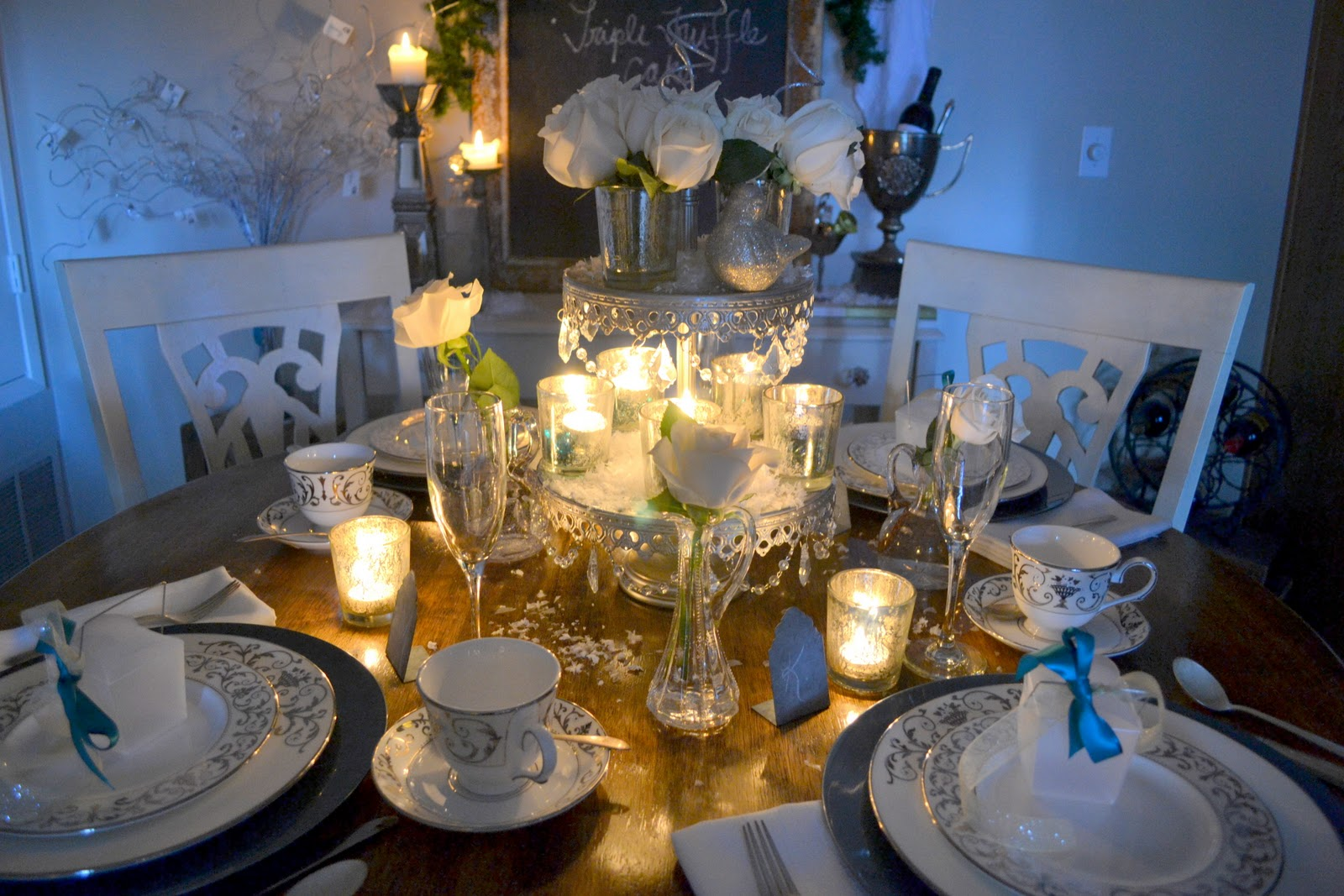 the poor sophisticate new years tablescape wedding ideas. Black Bedroom Furniture Sets. Home Design Ideas