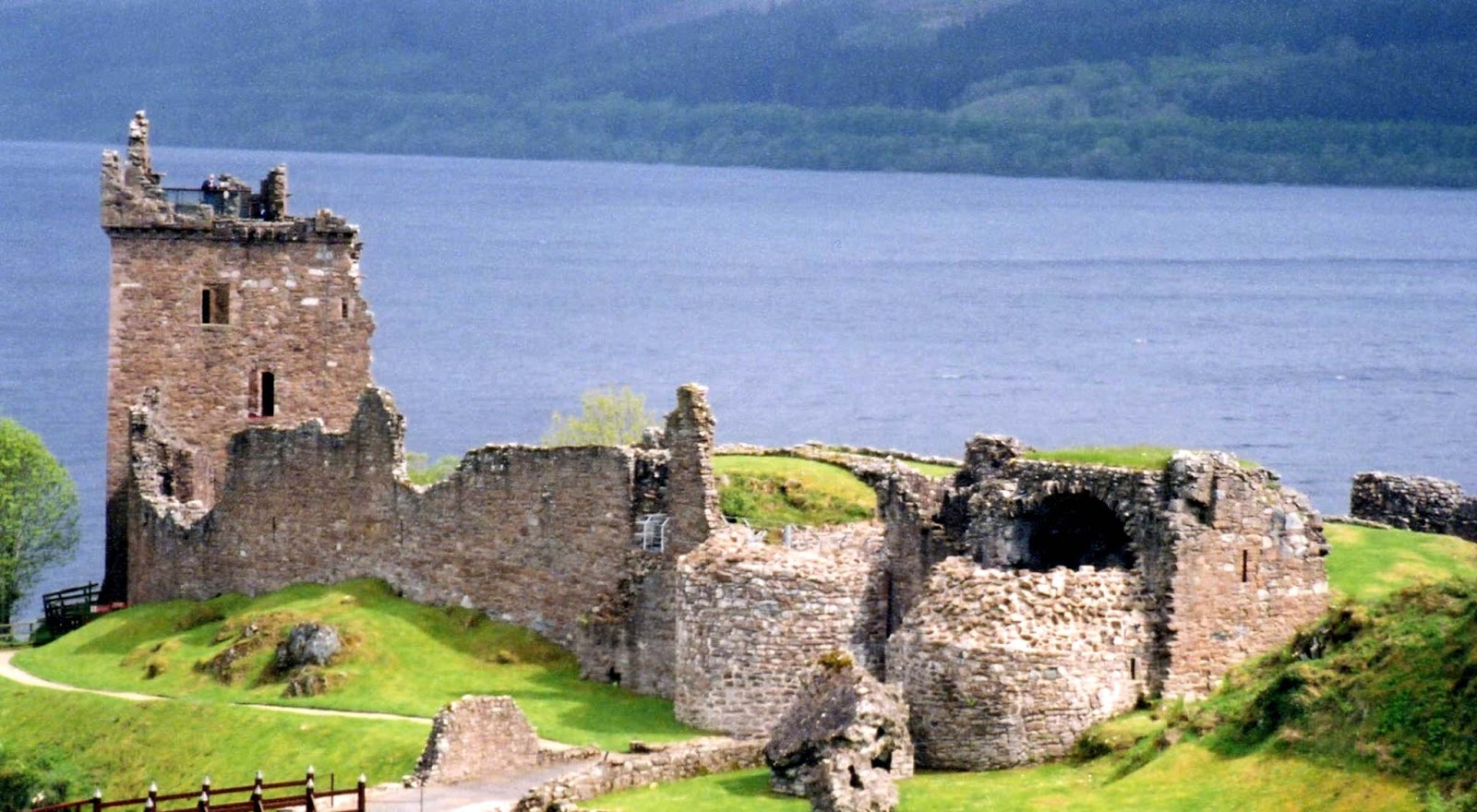 Genealogist Journal Those Places Thursday Urquhart Castle