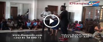 KINSHASA: La star du théâtre congolais Mike La Duchesse présente son nouveau groupe. REGARDEZ !!!