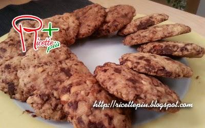 Biscotti con Cioccolato e Nocciole di Cotto e Mangiato