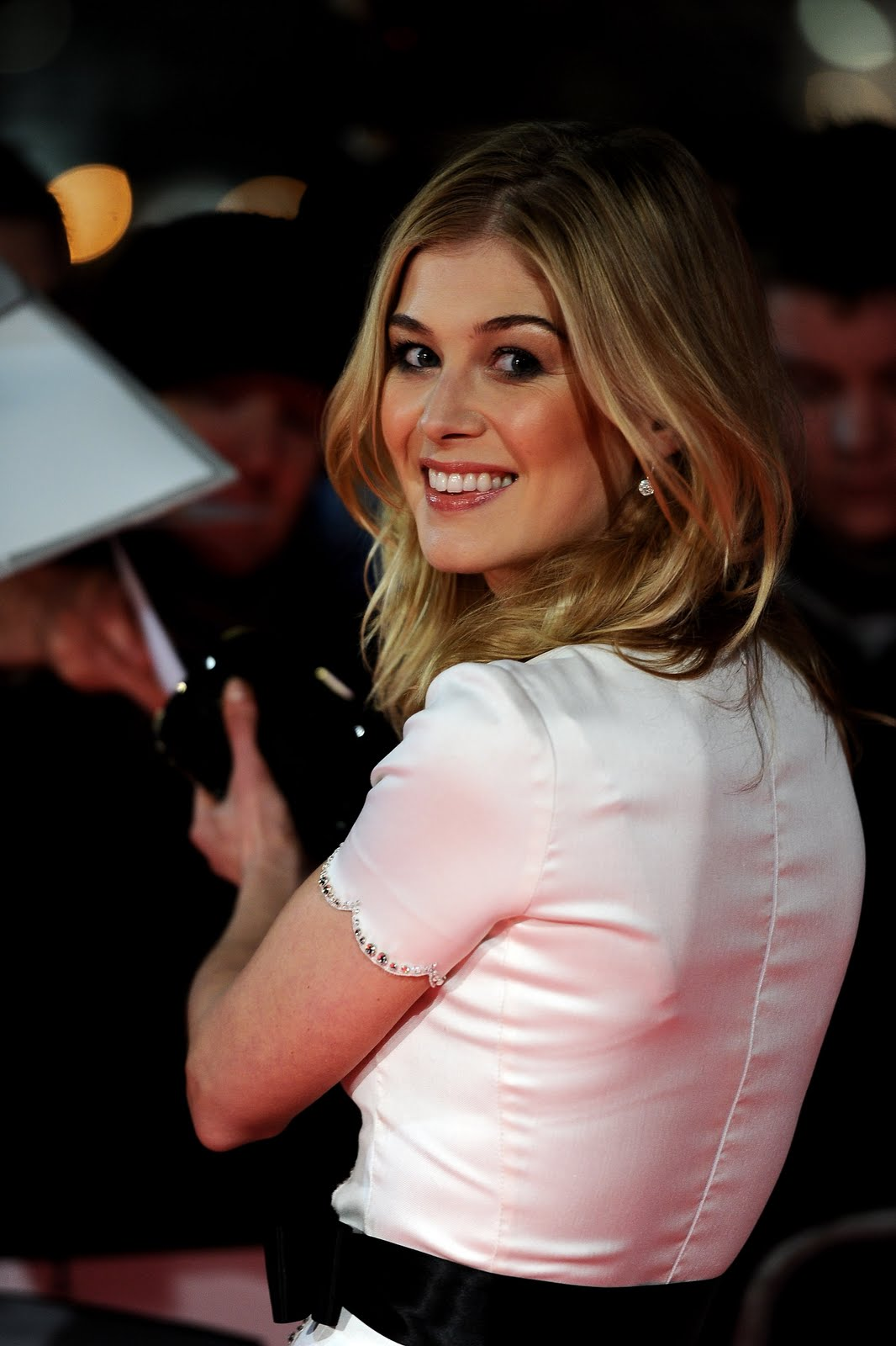 Rosamund Pike (born 1979) Rosamund Pike (born 1979) new picture