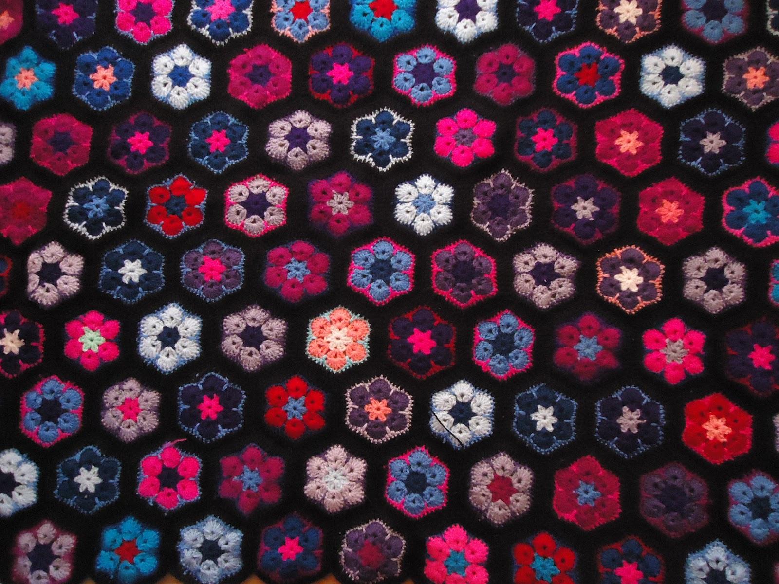 Easy African Flower Crochet Pattern : Kriekies crochet: African flower crochet afghan