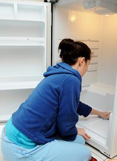 Tips Mudah Merawat Dan Menjaga Kulkas, cara merawat kulkas, cara membersihkan kulkas atau lemari es, cara membersihkan kulkas yang baik