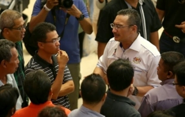 Berjumpa Keluarga Penumpang MH370 Adalah Paling Sukar Dalam Hidup Saya !..