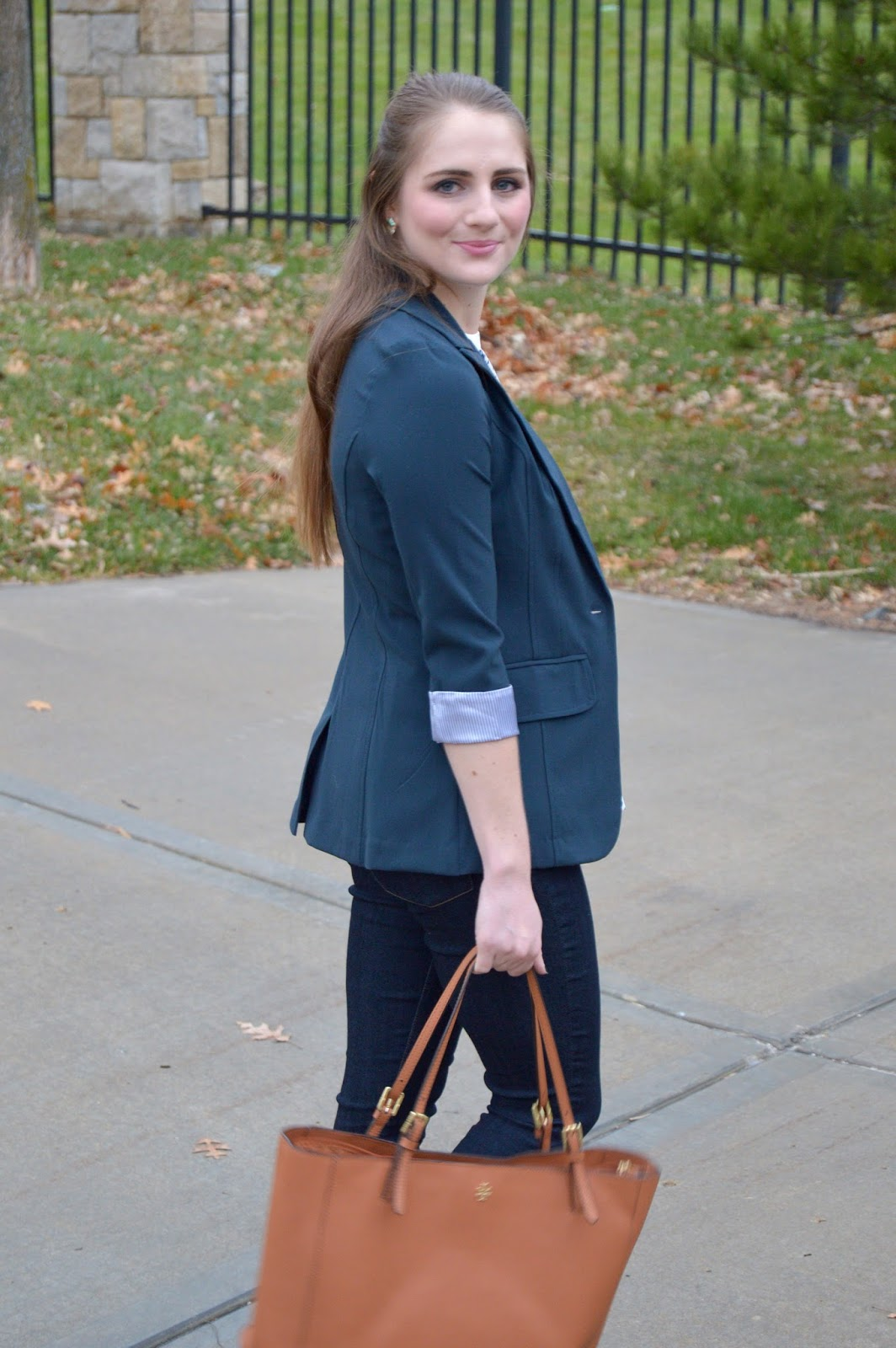 navy blazer outfit ideas