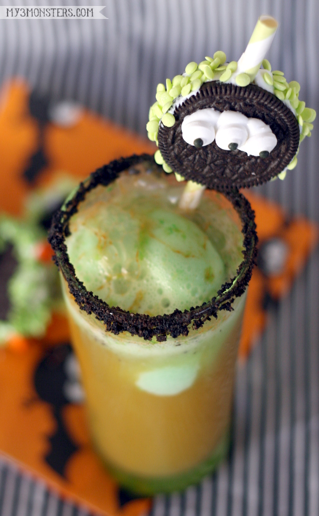 #SpookySnacks for Halloween: Fanta Floats and OREO Straws at my3monsters.com