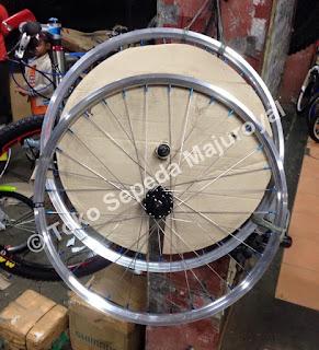 Wheelset Chrome Special rakitan Majuroyal