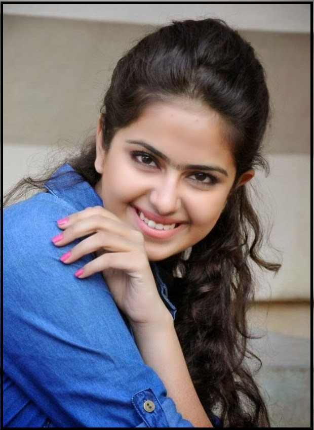 smile-of-avika-gor