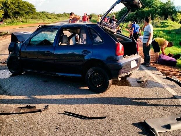 Acidente em Oliveira dos Brejinhos, na região oeste da Bahia (Foto: Blog Braga)