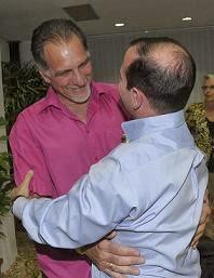 René y Fernando cumplieron sus injustas condenas y están ya en la Patria. #Obama, GivemeFive!!!