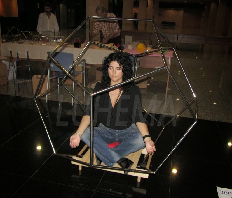 Meditar dentro de un dodecaédro