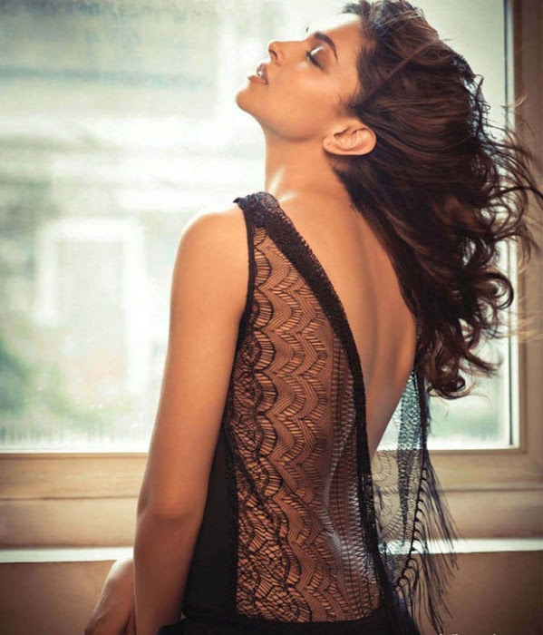 Actress Gallery: Deepika Padukone Latest Hot Pics