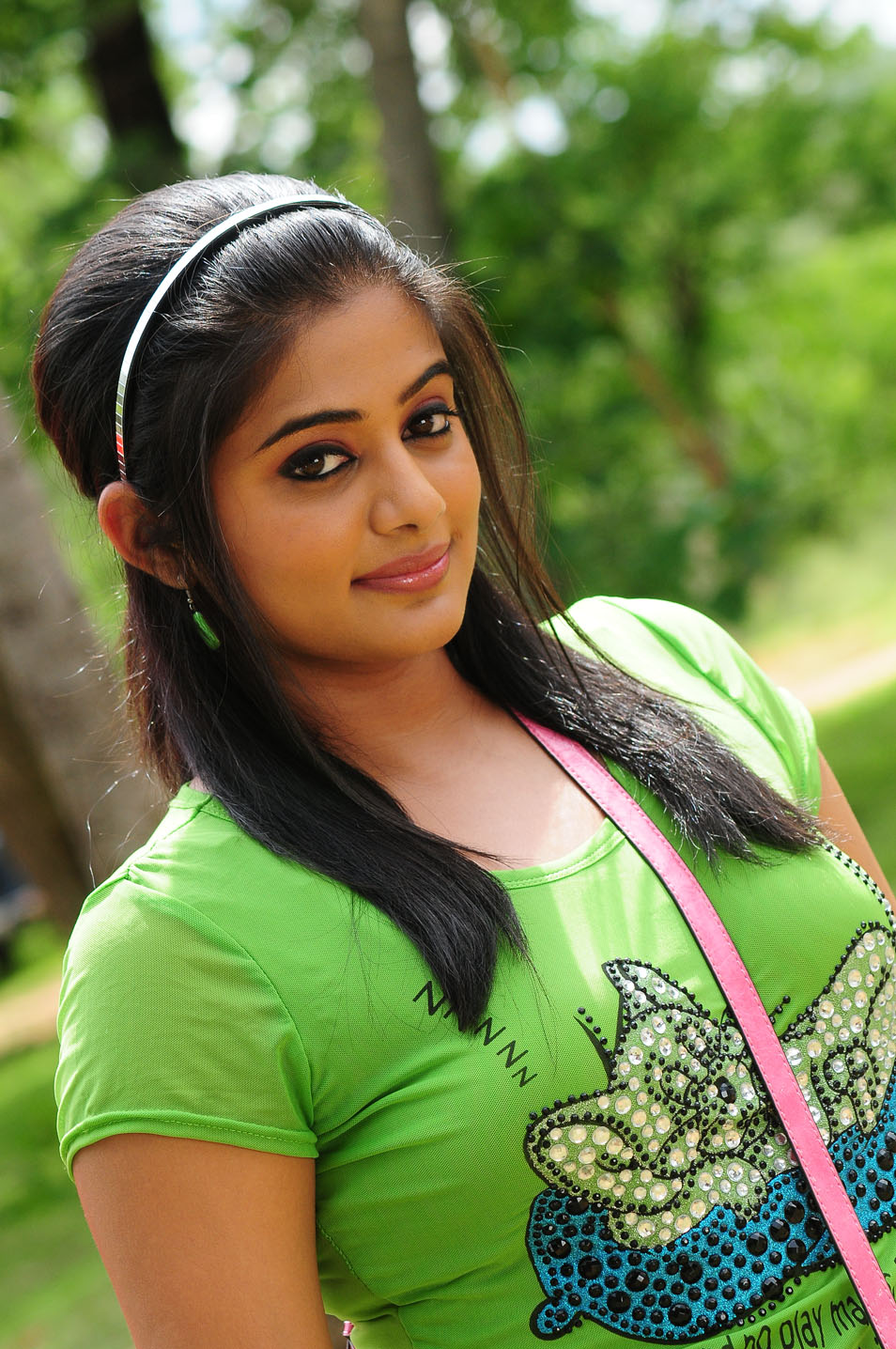 telugu cinema priyamani tikka movie hot stills