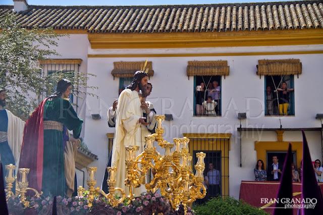 http://franciscogranadopatero35.blogspot.com/2015/05/lunes-santo-en-sevilla-con-la-hdad-de.html